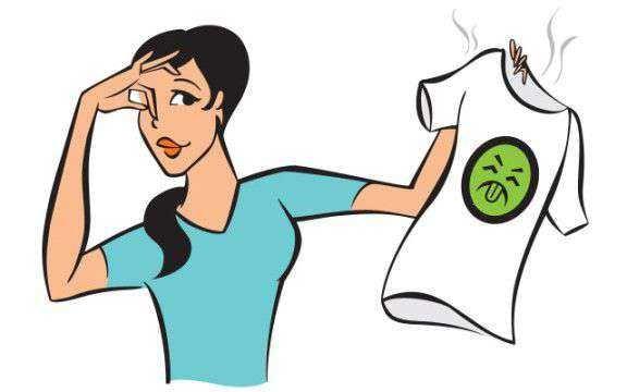 कपडे ओलसर राहिले तर त्यांना दुर्गंधी का येते? जाणून घ्या.. | why dirty smell comes out from cloths in the rainy season